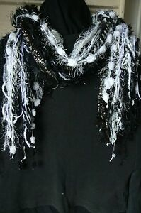Knotted-Scarf-Mixed-Fibre-or-Decor-Hanger-BLACK-amp-WHITE-2-5-Met-67-Strands