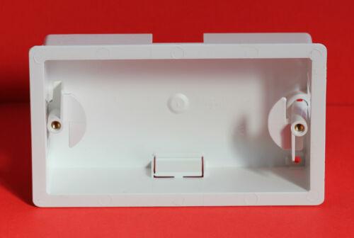 "1 x Marshall Tufflex Twin Gang Dry Doublure Boîte Blanc en profondeur 34 mm /""Brand New/"""