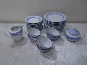 31-tlg-Konvolut-von-Kahla-Porzellan-Kaffeeservice-Vintage-um-1970-Blaue-Blume