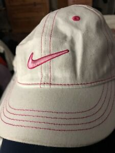 e0e7ea86fefc4 NIKE - Girls KIDS 4-6X White   pink CAP W ADJUSTABLE STRAP Hat