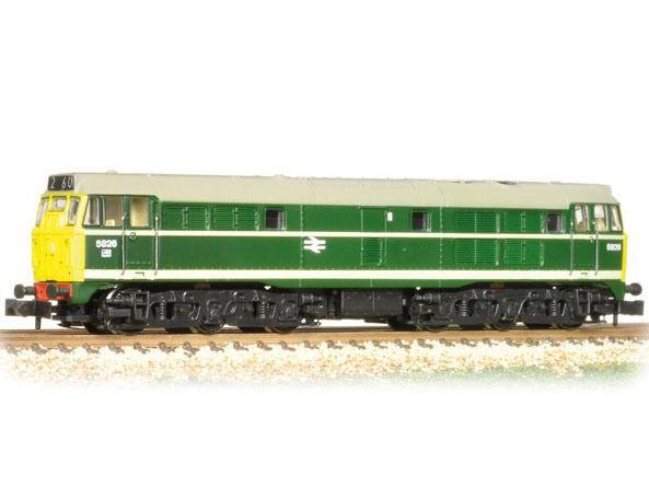 Graham FARISH 371-110 - DIESEL Class 31 5826 Br verde FULL giallo ends-NUOVO
