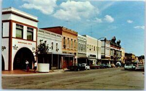New-Ulm-Minnesota-Postcard-MAIN-STREET-Downtown-Scene-VW-Bug-1960s-Cars-Unused