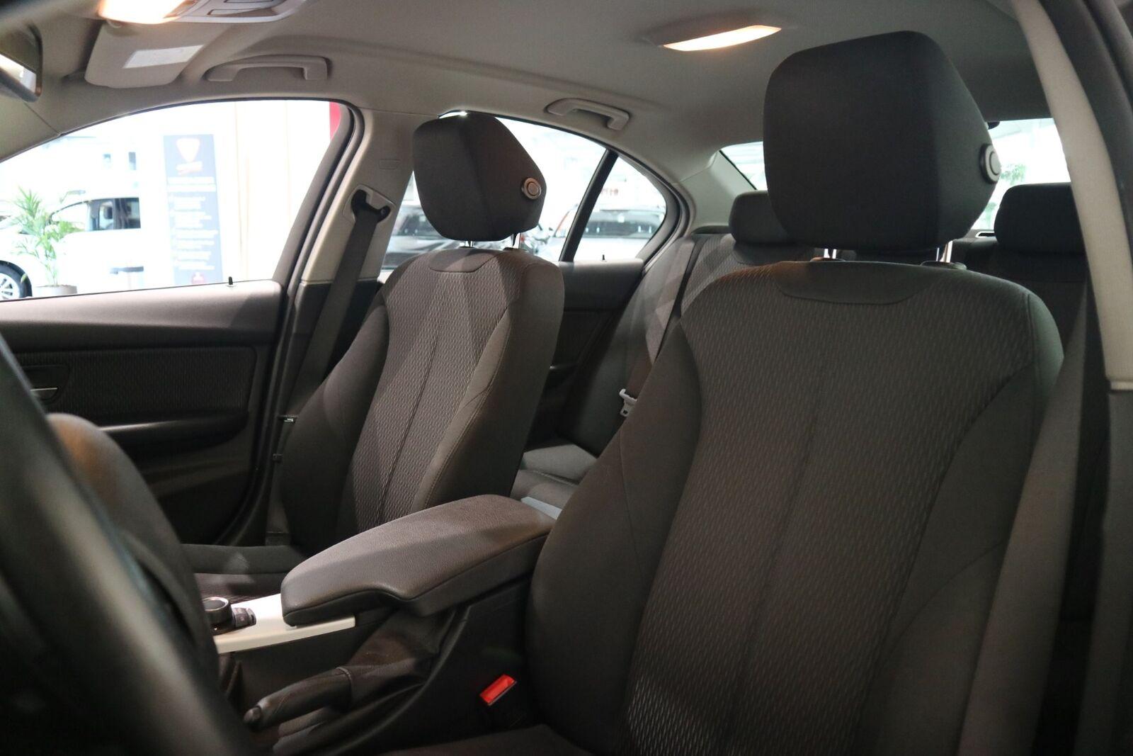 BMW 320d 2,0 aut. - billede 8