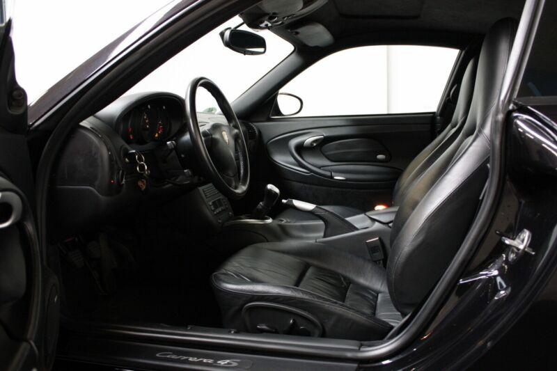 Porsche 911 Carrera 4S Coupé - 6
