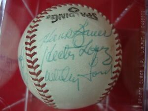 YANKEES-AUTOGRAPHED-BASEBALL-HANK-BAUER-WHITEY-FORD-MOOSE-SKOWRON-RON-GUIDRY-WOW