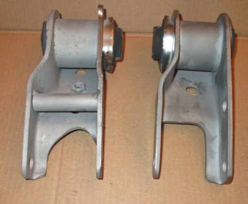 NOS Mopar Motor Mounts 1973-1976 B /& C body big block spool type 3642814-3642815