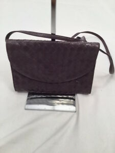 Image is loading Vintage-Bottega-Veneta-Intrecciato-Woven-Leather-Purple- Flap- 1f9d452f4aca7