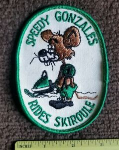 Vintage-1970s-SPEEDY-RIDES-SKIROULE-Snowmobile-Racing-Jacket-patch-NOS-sew-on
