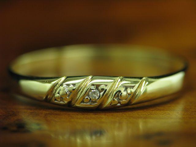 14kt 585 yellowgold RING MIT DIAMANT SOLITÄR BESATZ   0,7g   RG 56