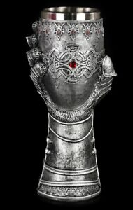 Chalice-Knight-Drunken-Mittalalter-LARP-Party-Role-Playing-Game-Gothic