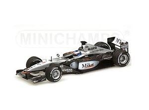 Mc-Laren-Mercedes-MP4-16-2001-M-Hakkinen-Minichamps-Echelle-1-43