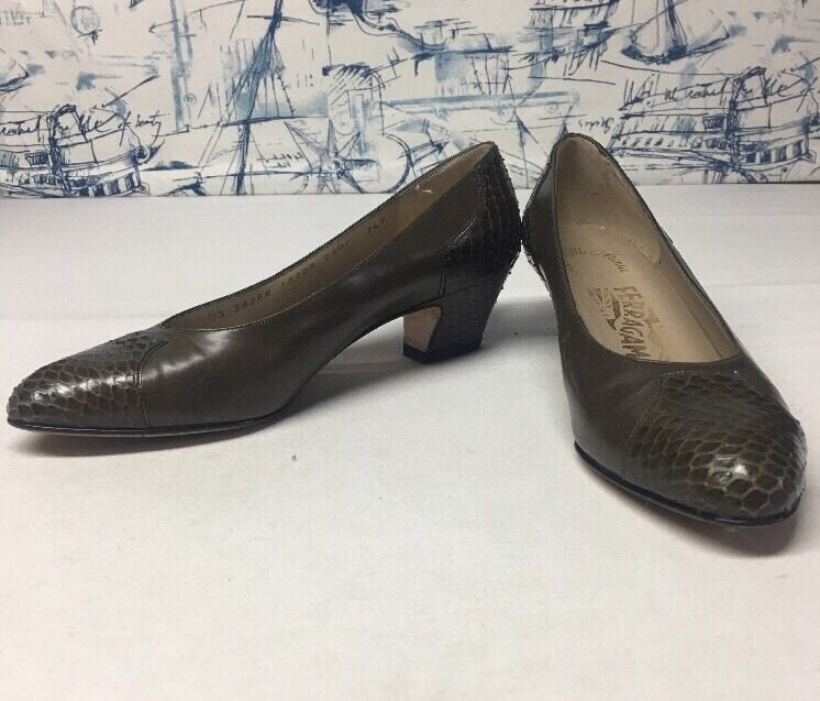 Salvatore Ferragamo Pumps 7.5 B