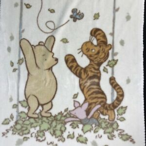 672a7bf39267 Classic Winnie The Pooh Baby Blanket 35x50 Tigger Piglet Leaves ...