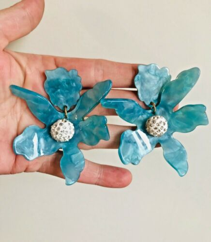 BLOGGERS FAV AMAZING MASSIVE 3'' BLUE LUCITE /& CRYSTAL LILY CLIP RUNWAY EARRING