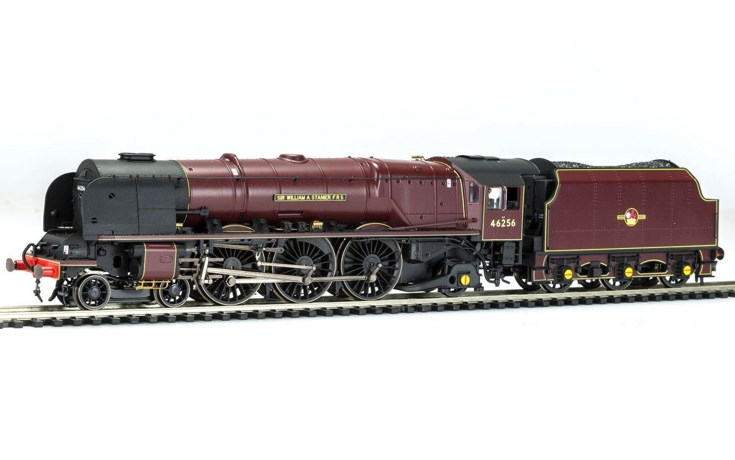 Hornby R3555 Late BR 4-6-2 Princess Cgoldn. Sir William A. Stanier FRS DCC Ready