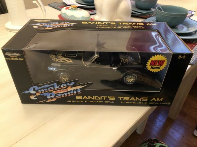 Smokey and the Bandit: Bandit's 1977 Pontiac Trans Am: American Muscle Ertl 1:18