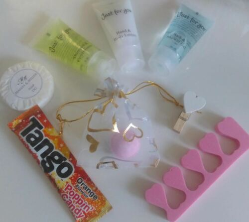 Pre Filled Girls Gold Party Pamper Bags Filled Goody Bags Quality Luxury Items