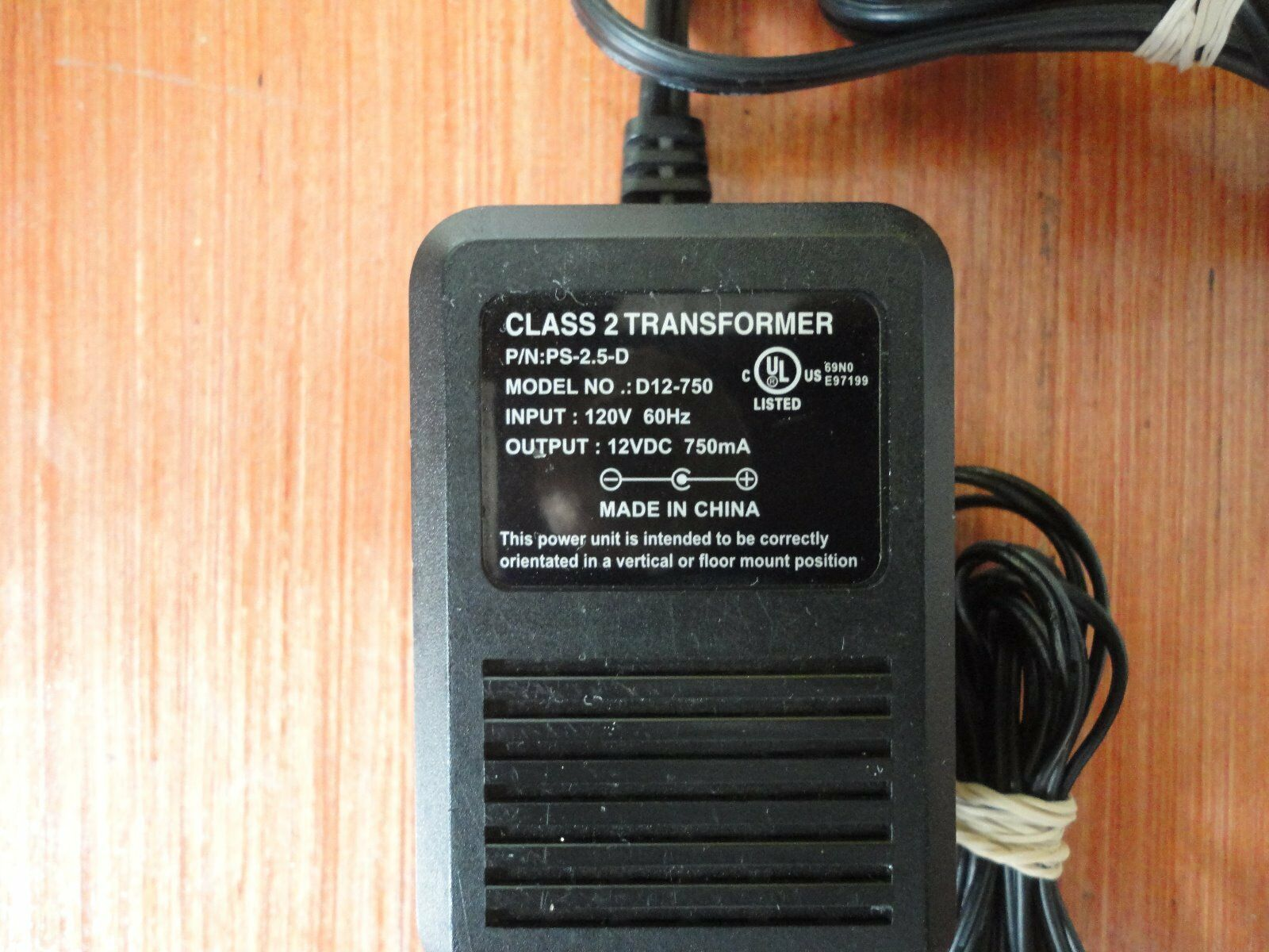 AC Adapter Power Supply D12-750 AC / DC 12v 750mA PS-2.5-D