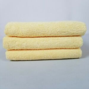 """AmazonBasics Microfiber Hand Towel Home 24""""×15"""" Cleaning Cloth 3 Pack Yellow"""