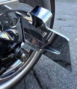 Harley-Davidson-Softail-Seitlicher-Kennzeichenhalter-mit-Beleuchtung-poliert