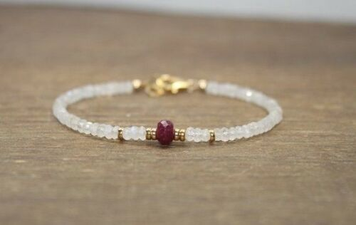 Natural Moonstone n Ruby Faceted Gemstone Bracelet 14 ct Gold Over Beads /& Clasp