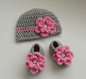 NEW Newborn Baby Girl Crochet Flower Hat and Booties Infant Photo Prop Gift