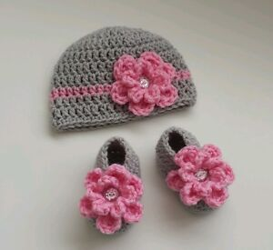 NEW Newborn Baby Girl Spring Hat and Booties Crochet Infant Photo Prop Gift
