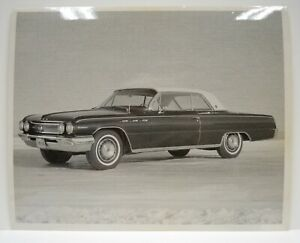 1962 Buick Wildcat Promo Press 8x10 Photo Manufacturer MFR Michigan Plates Vtg