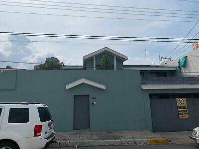 Casa en renta habilitada para oficinas u consultorios por calle doce de octubre