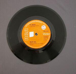 SG-7-034-45-rpm-1969-THE-ARCHIES-MELODY-HILL-SUGAR-SUGAR