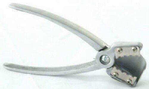 Duke Hand Held Pliers Type Nut Cracker//Sheller