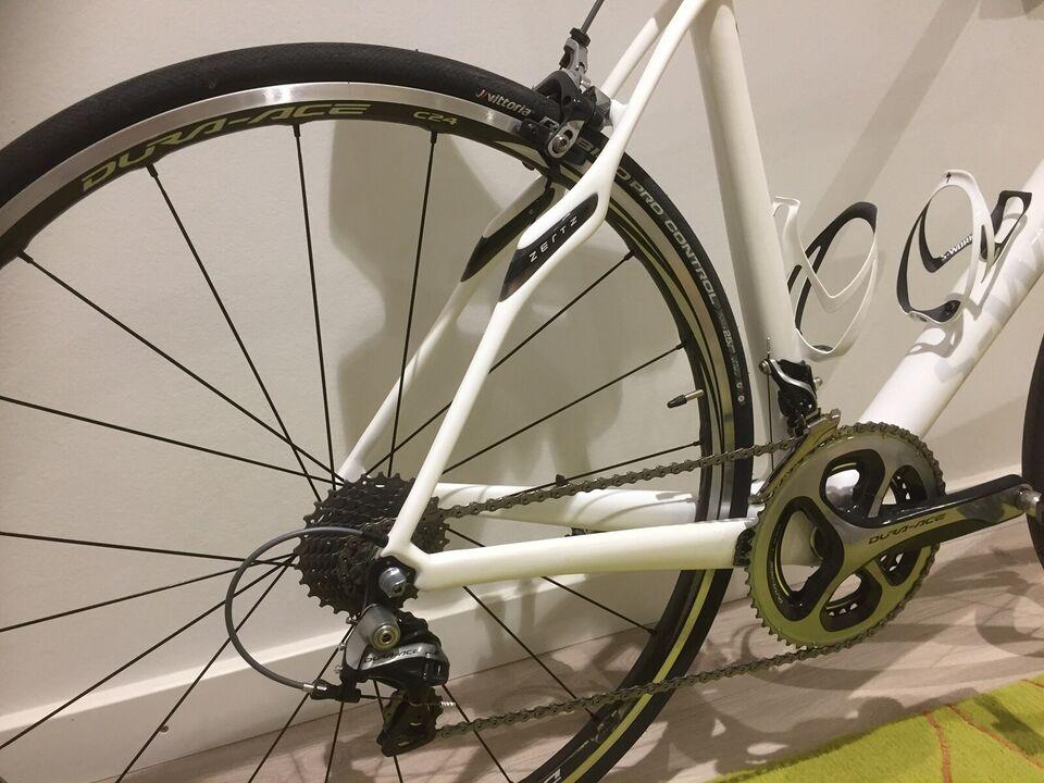 SOLGT - Herreracer, Specialized S-WORKS Roubaix