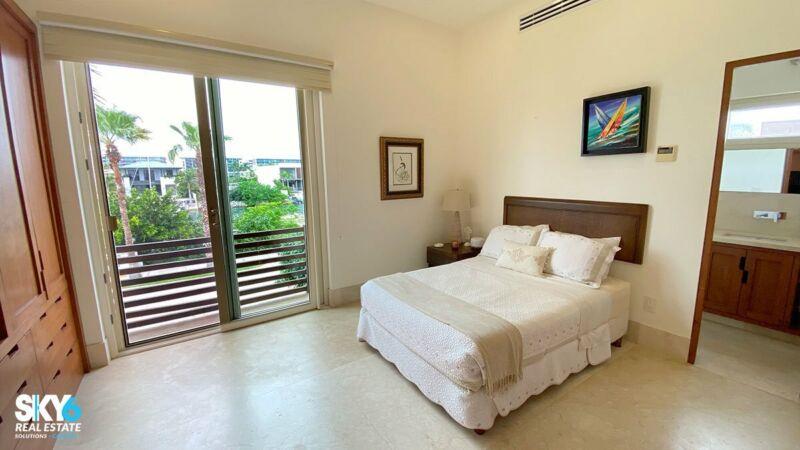 Selecta Residencia con Frente de Canal y Muelle en Puerto Cancún