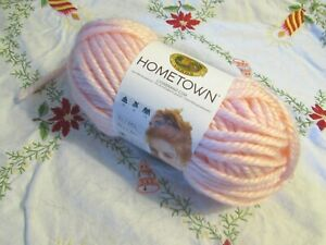 NEW-LION-BRAND-HOMETOWN-Providence-Pink-Super-Bulky-Yarn-Acrylic-USA-142-g