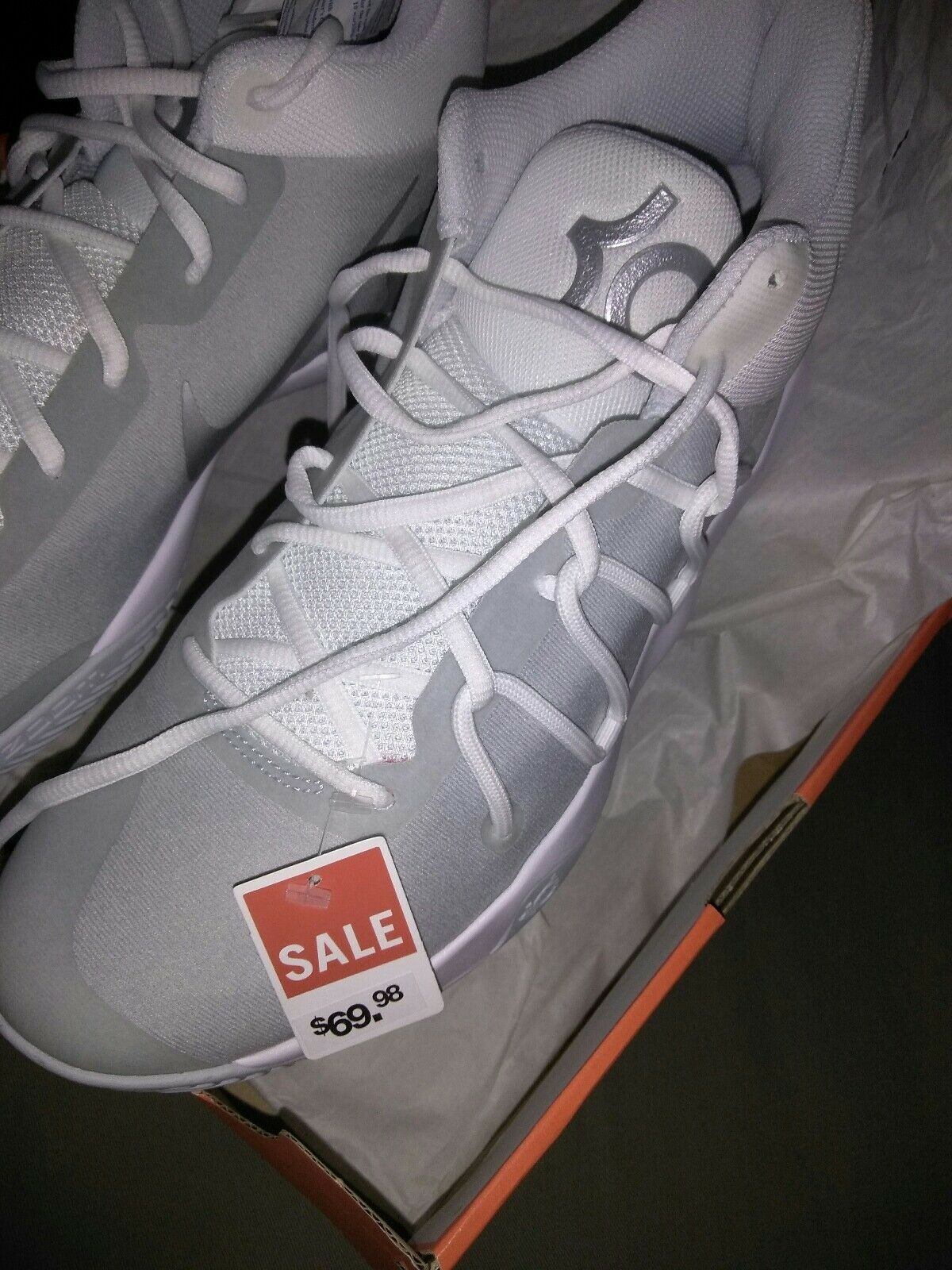 Kevin durant shoes size 10.5  Cheap and fashionable