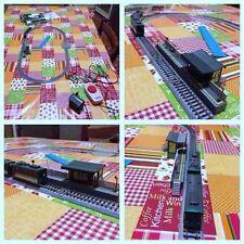 Modellismo: kit tram e binario Kato con stazione e trasformatore