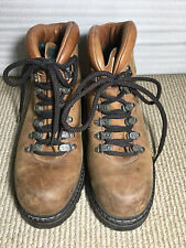 Roots Tuff Made in Canada leather Hiking Boots Size 7 1/2 or 7.5