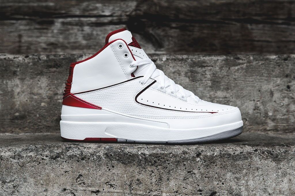 Air Jordan 2 II Retro White Red 395718 (GS) Kids Boys Youth 395718 Red 102 407bfe