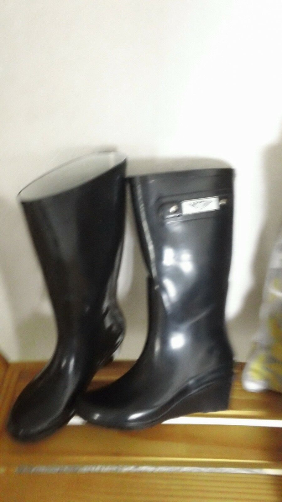 rain boots Black size 6     height about 14 in. pull on-----newmnbv<wbr/>v