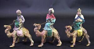 alte-Masse-Figuren-Hl-drei-Koenige-auf-Kamel-reitend