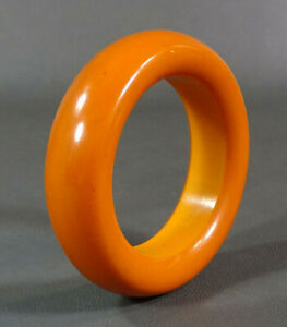 2295756d6b028 Antique Art Deco Butterscotch Caramel Amber Bakelite Bangle Bracelet ...