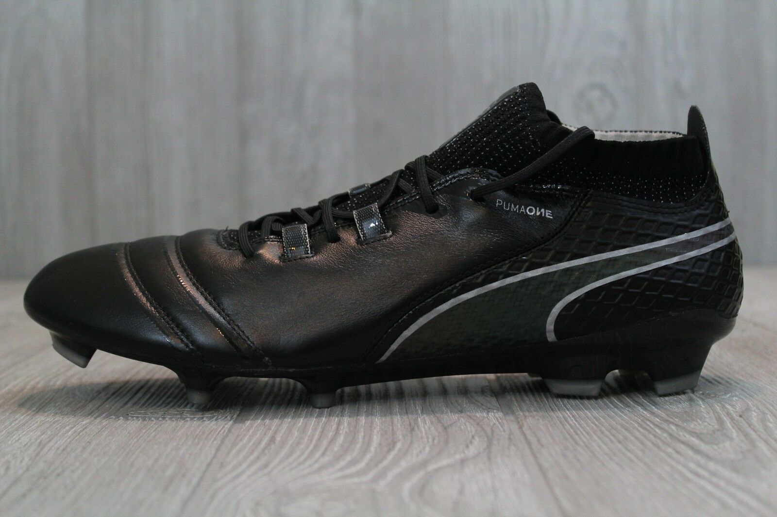 Puma One 17.1 FG Homme Football Chaussures Soccer Cleats Blanc/Noir 104062