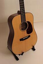SIGMA GUITARS - Gitarre SDM-18E +Fishman Tonabnehmer VOLLMASSIV  + Sigma-TASCHE