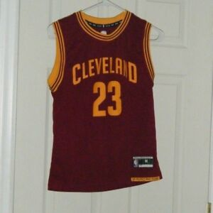 hot sale online a5a57 74bd2 Details about Lebron James Cleveland Cavs Adidas NBA Retro #23 Basketball  Jersey Boys Med Used