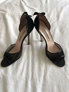 manolo blahnik black patent leather open toe high heel