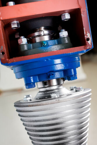 Kegelspalter Holzspalter Baggerspalter 800 ccm Ölmotor 45 Kw 2.750 Nm