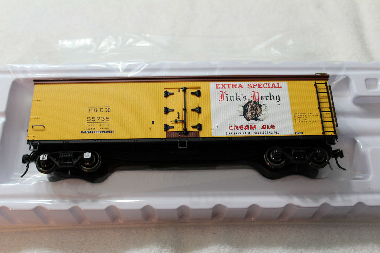 3002543 Finks viola Ribbon Beer 40' Wood Side Reefer Car 2 Rail NEW IN BOX