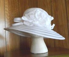GIOVANNIO WHITE ORGANZA FRILLS CHURCH HAT NWT