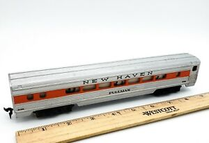 HO-Scale-New-Haven-Streamline-Passenger-Pullman-Car-238-w-Working-Light-TESTED