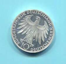 Germany - Federal Republic 10 Mark, 1972, Munich Olympics, Athletes kneeling